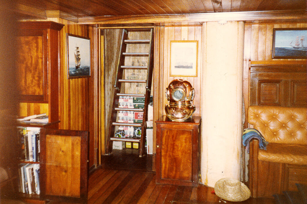 The below deck saloon of The Eye of the Wind.